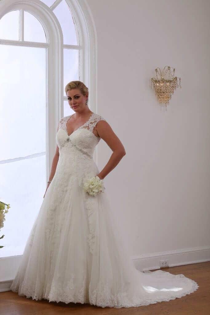 Plus size wedding dresses ruben bridal irish wedding blog for Plus size celtic wedding dresses