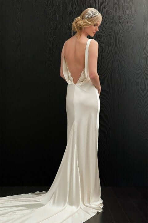 amanda-wakeley-annis-wedding-dress-bk