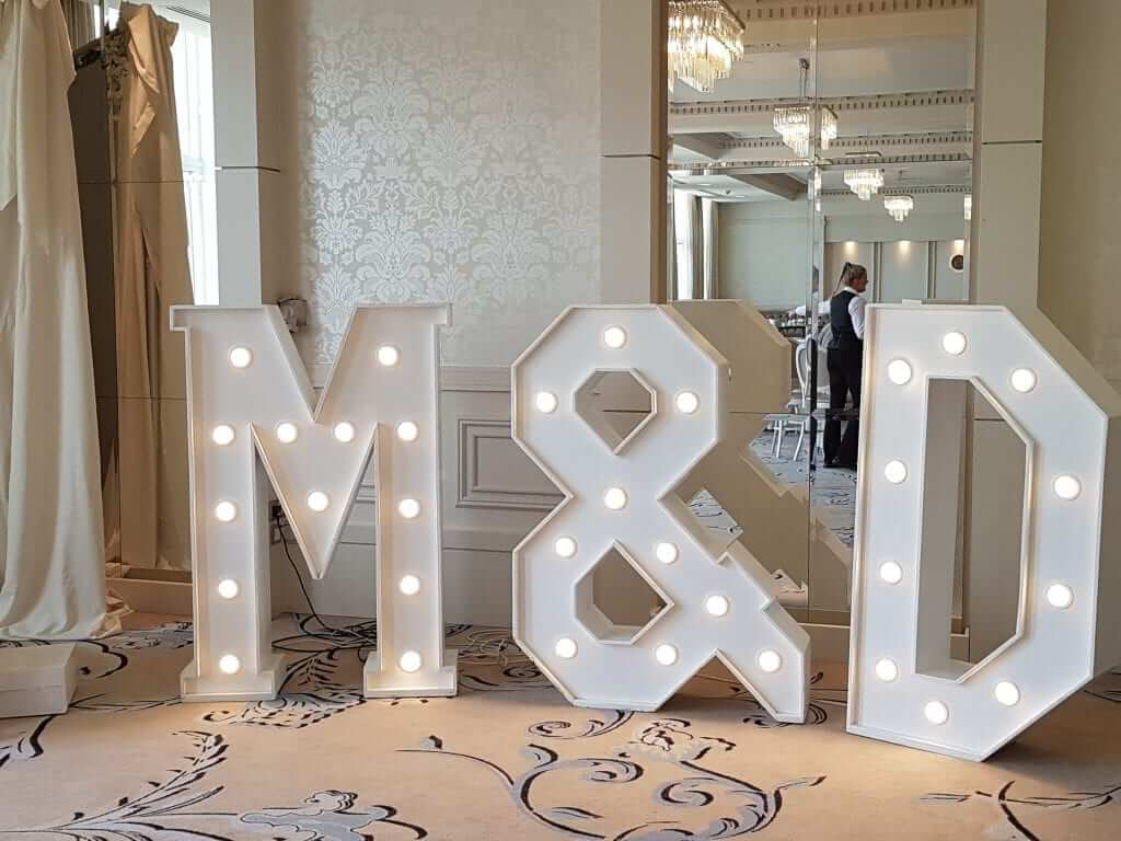 Giant-Letters-M-&-D-Four-Seasons-Hotel-Carlingford-min