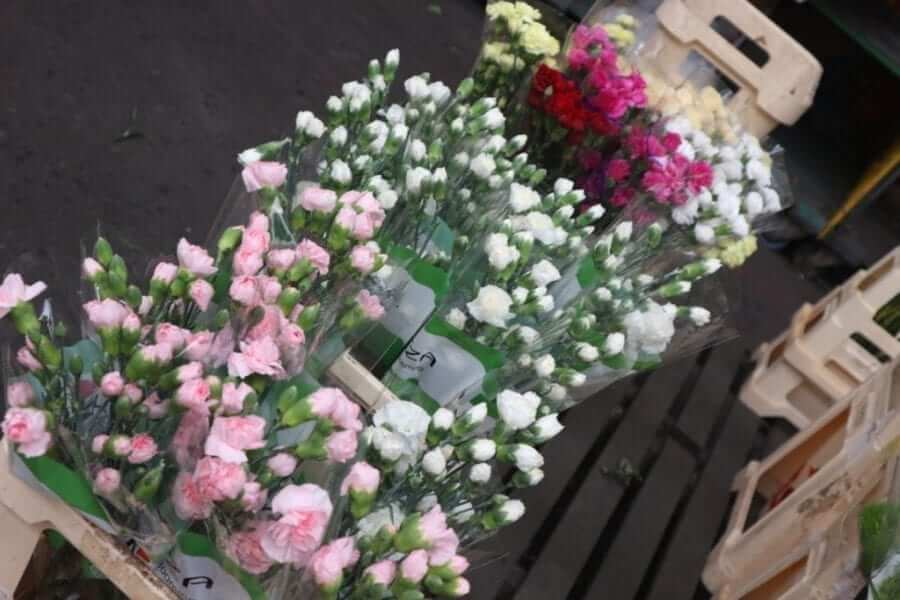 diy wedding flowers at smithfield market